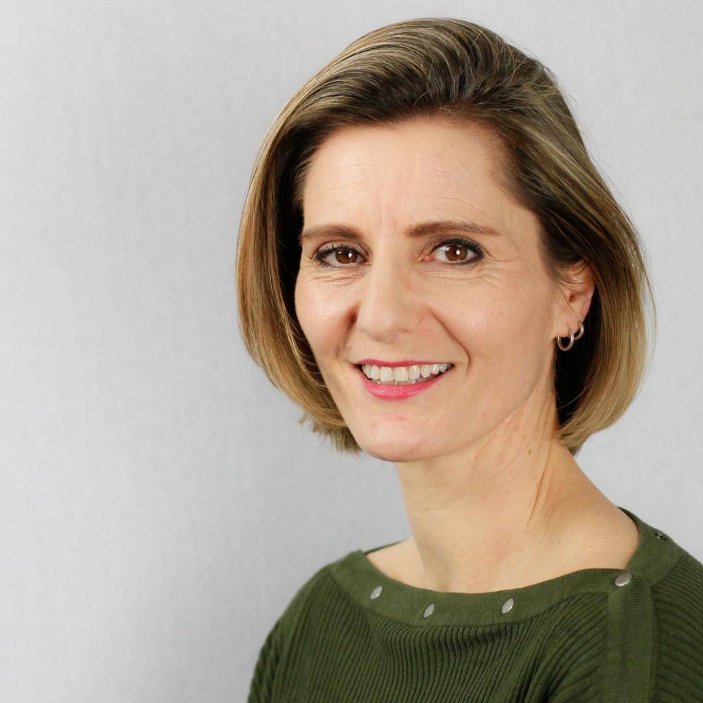 Cast - Diana van Gemert